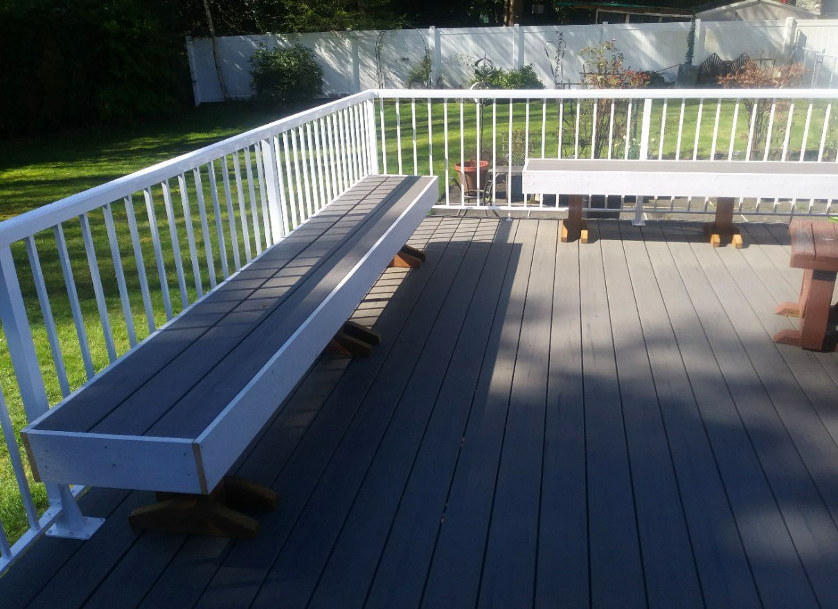 Deck at the backyard