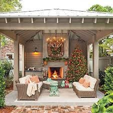Outdoor patio with fireput