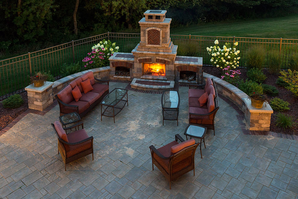 landscaping-outdoor-fireplaces