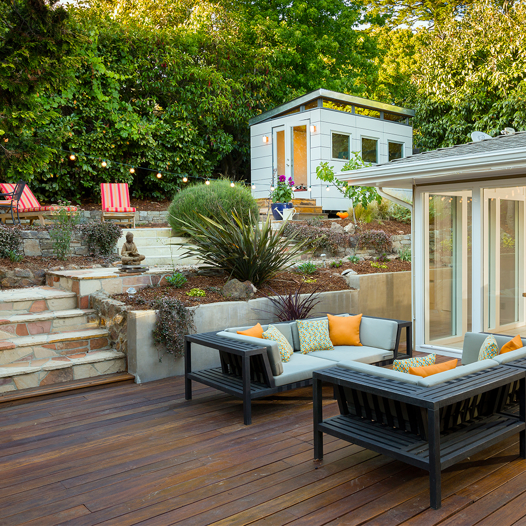 Beautiful outdoor living space by transblue general contractors and exterior design